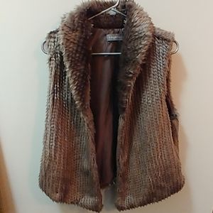 Sweaters - Collared faux fur vest